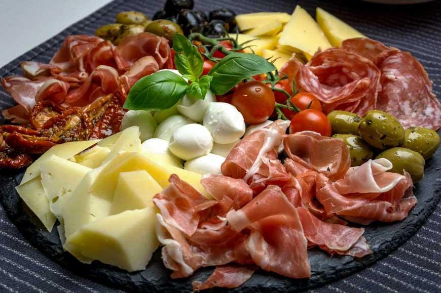 antipasti-mozzarella-di-bufala-affumicata